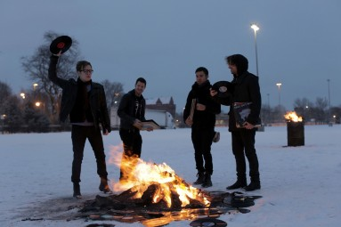 Fall Out Boy Returns! SAVE ROCK AND ROLL Out May 6/7 Worldwide - AppleMagazine