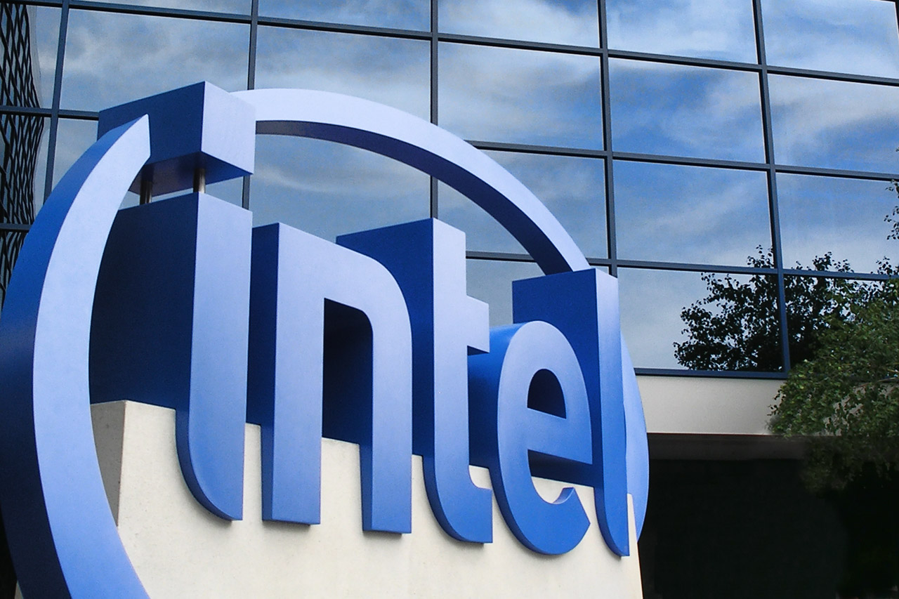 Photo of Intel Invested $740 Million to Buy 18 Percent of Cloudera