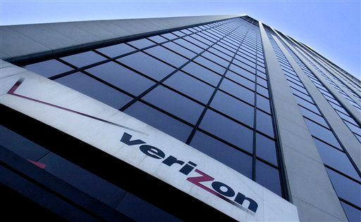 Photo of Verizon Posts Higher Revenue as Consumers Use More Data
