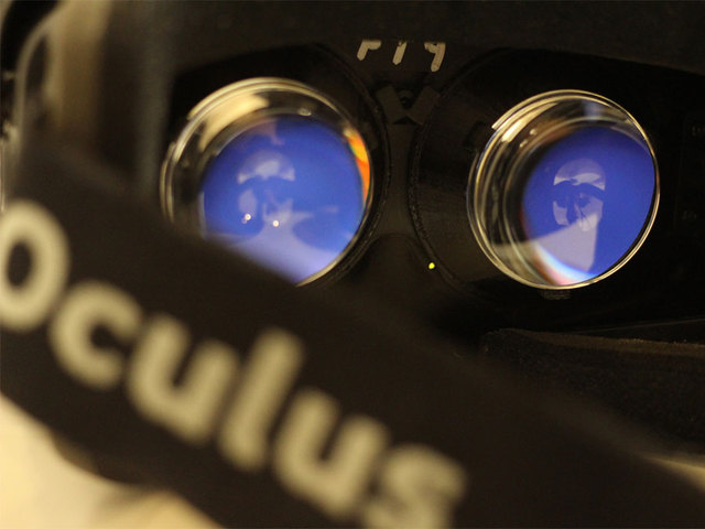 Photo of Facebook's Oculus Unveils New Virtual Reality Prototype Device