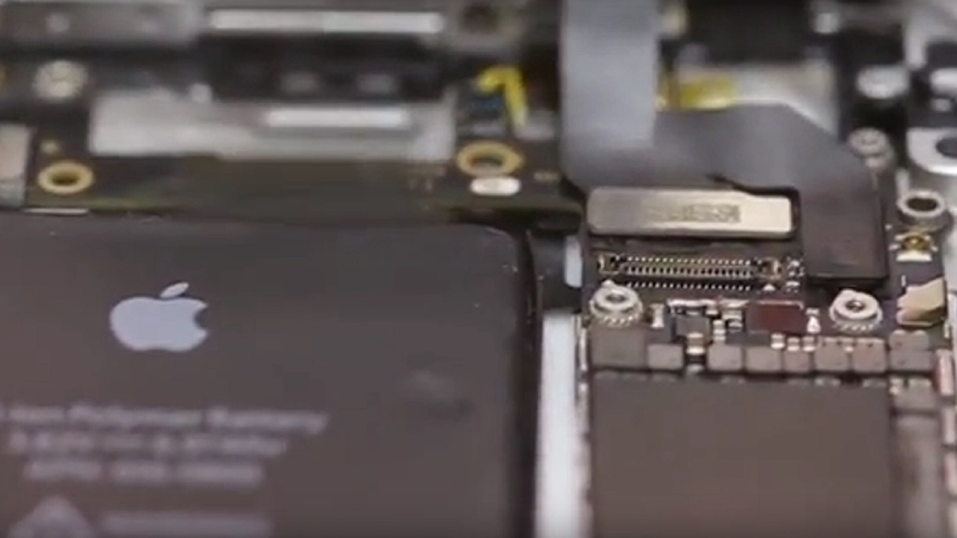 "Photo of New Video Shows ""iPhone 6S"" Being Assembled and Powered On"