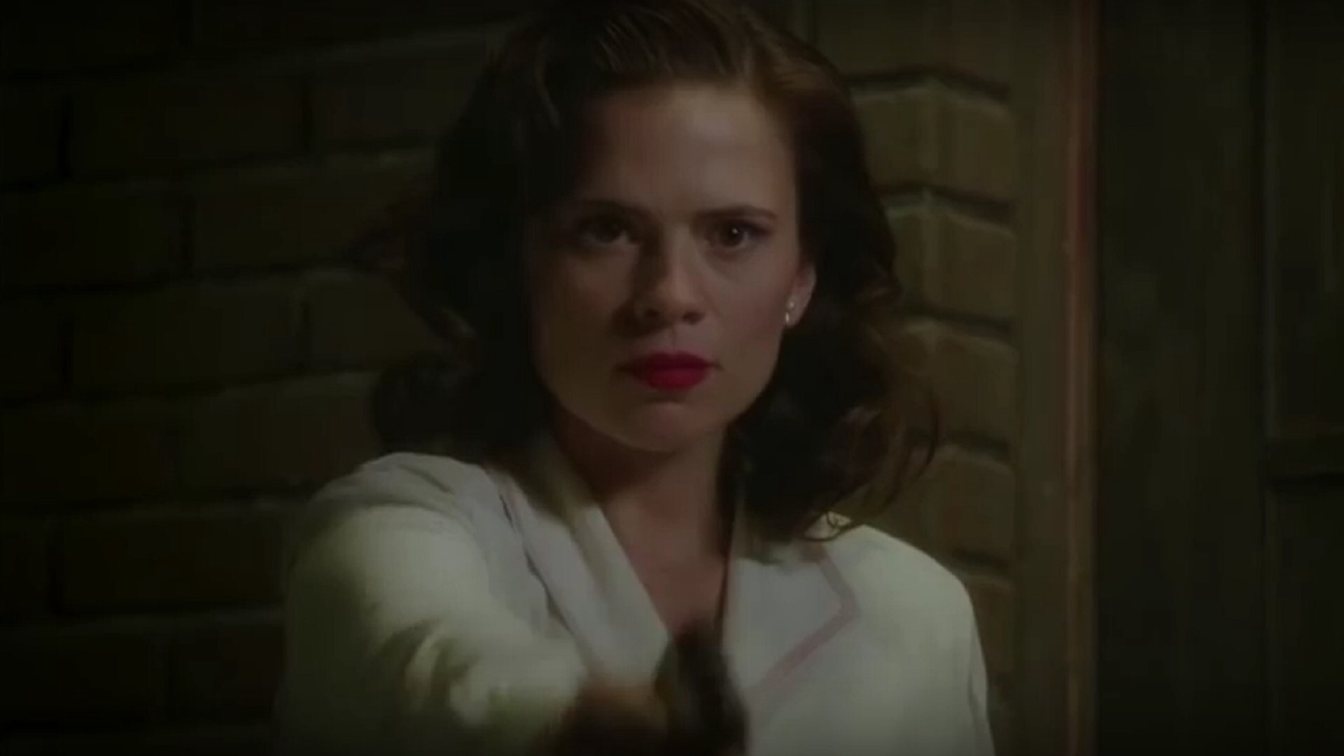 Hayley atwell agent carter s02e03 - 2 part 4