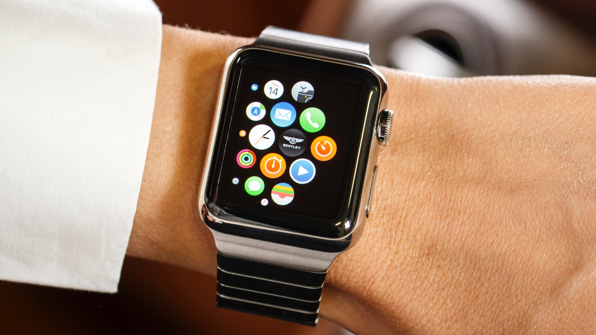 Photo of Apple Watch 3 Rumored To Launch In Late 2017