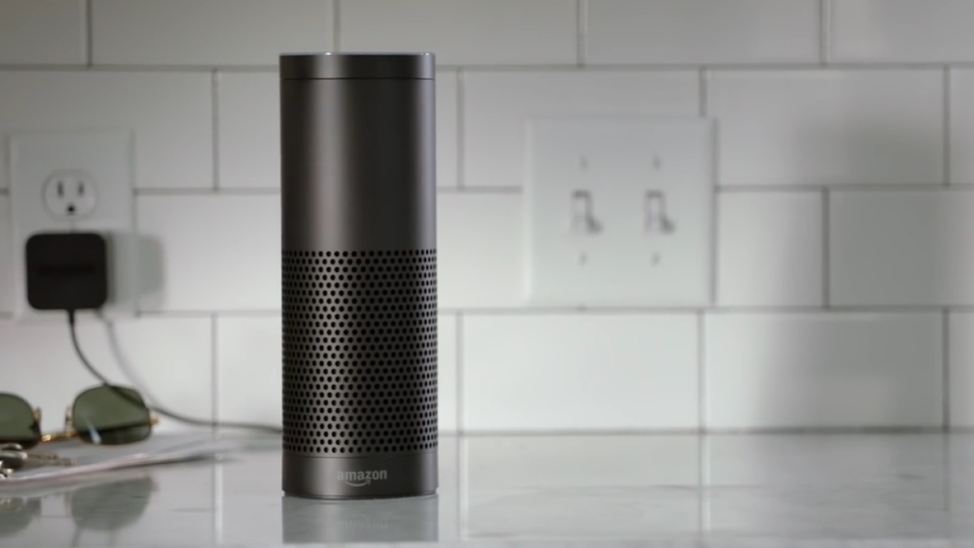 Photo of Amazon Invites Apple to Integrate Services with Echo Speaker