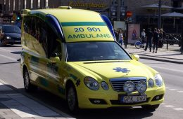 Ambulances Will Soon Be Able To Interrupt Music To Inform Drivers When They're Nearby