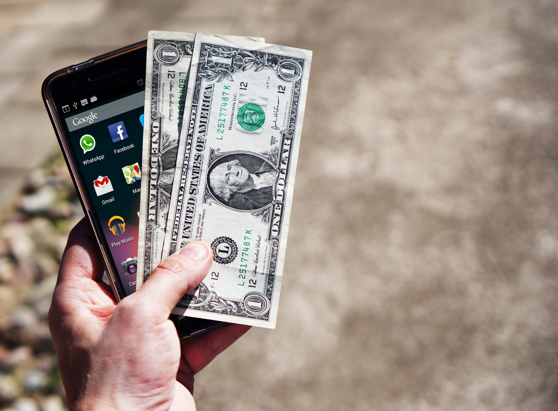 Photo of Curb your overspending with these money management apps