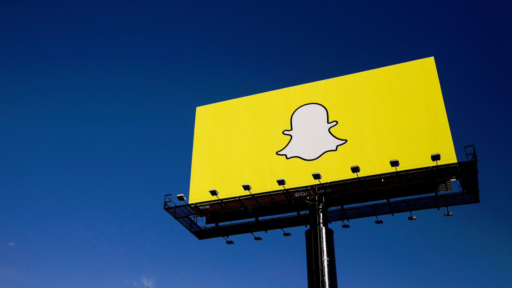 Photo of Snapchat to roll out a new redesign on December 4