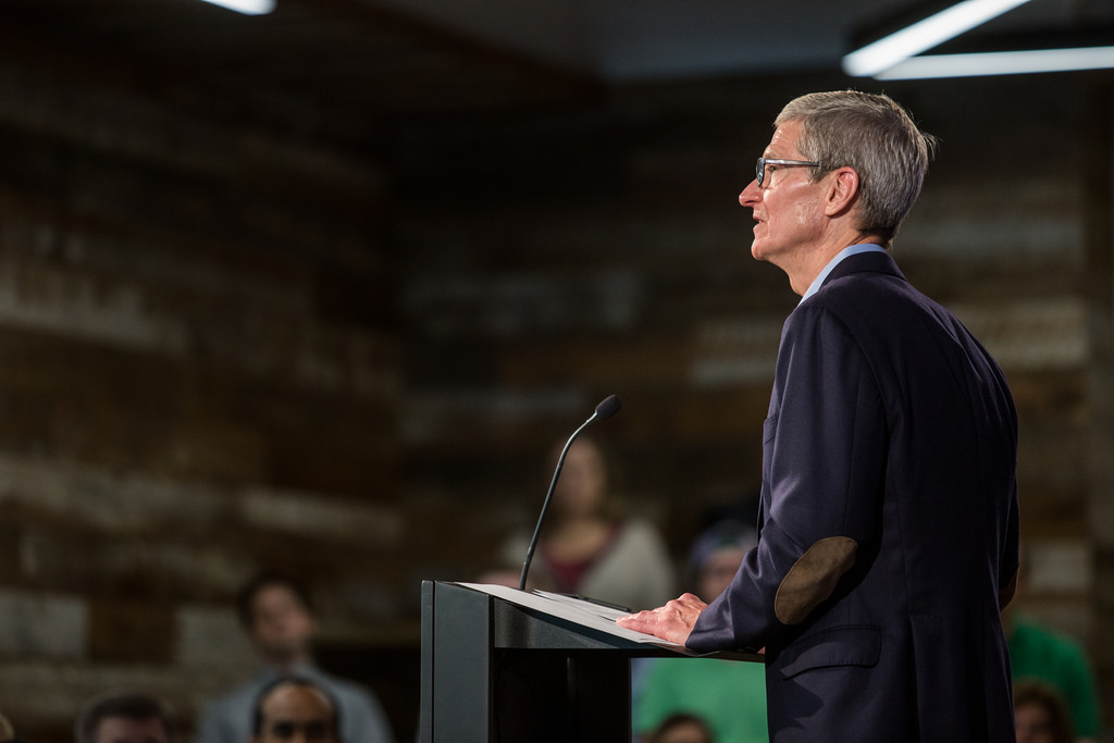 Photo of Revenue down: Apple CEO Tim Cook revises guidance for fiscal 2019 Q1