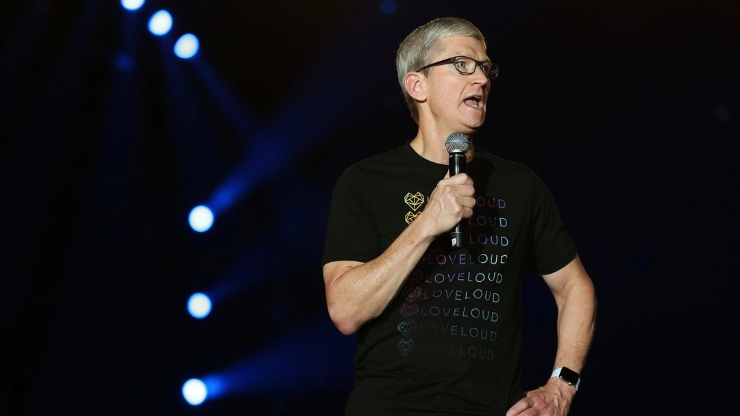 Photo of Tim Cook shares message of hope with LGBTQ+ youth at Loveloud 2018