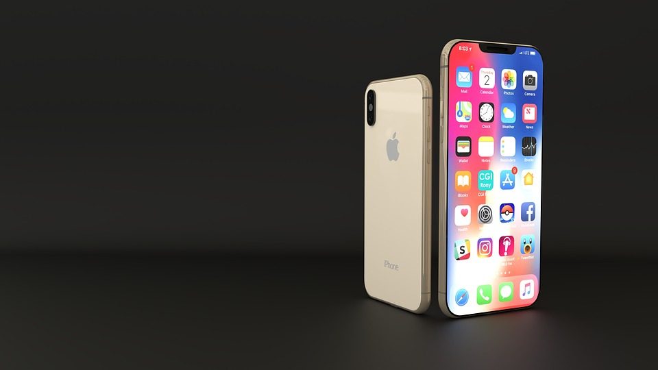 Photo of Apple's 2018 iPhone line-up helped to drive smartphone market revenue